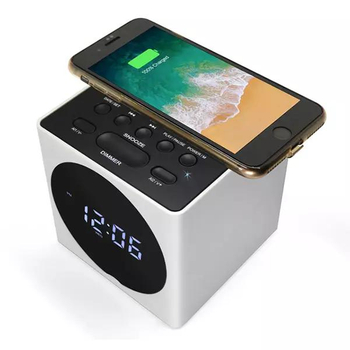 Wireless Charging alarm clock vs. battery alarm clock